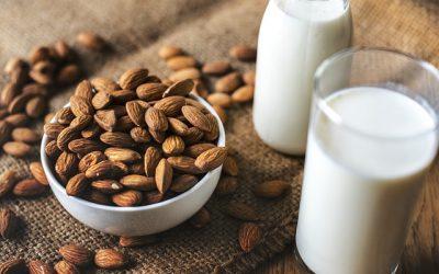 Le lait d'amande fait-il grossir ? Est-il intéressant pour perdre du poids ?