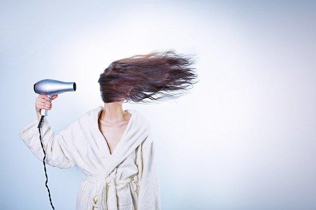 Comment se repasse une repousse d'implant de cheveux ?