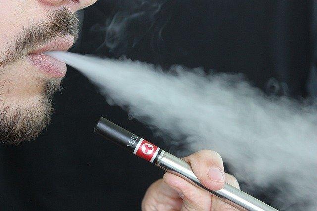 Cigarette électronique : pourquoi devriez-vous l'adopter ?
