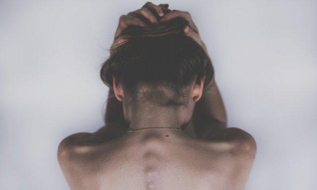 Maux de dos : quel avantage d'utiliser un correcteur de posture?